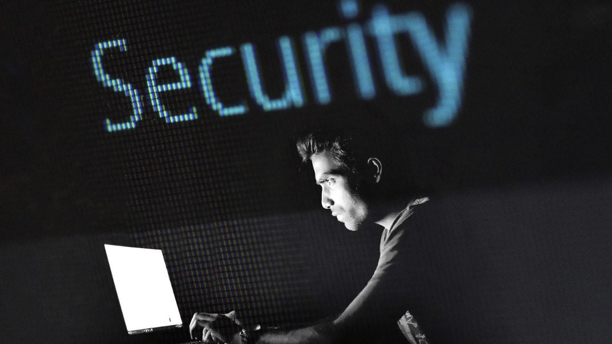 2019 Beginner tips to learn Cyber Security? | 03 Step Road Map